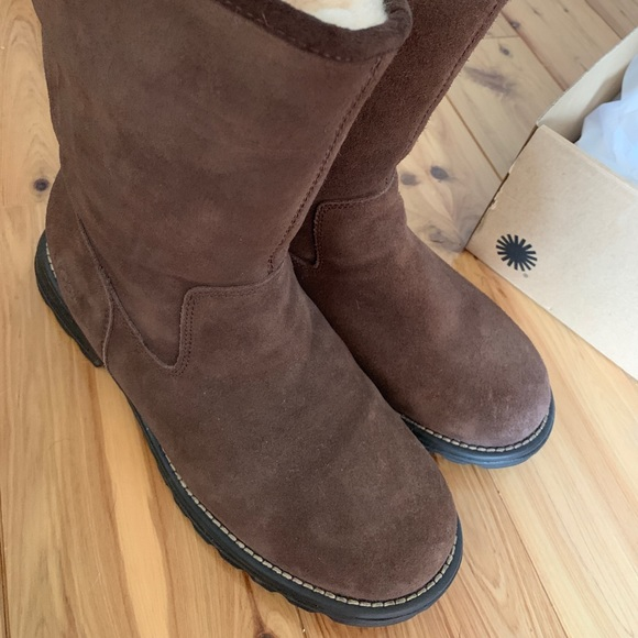 30f8ab03d06 Ugg Langley Boots Size 10